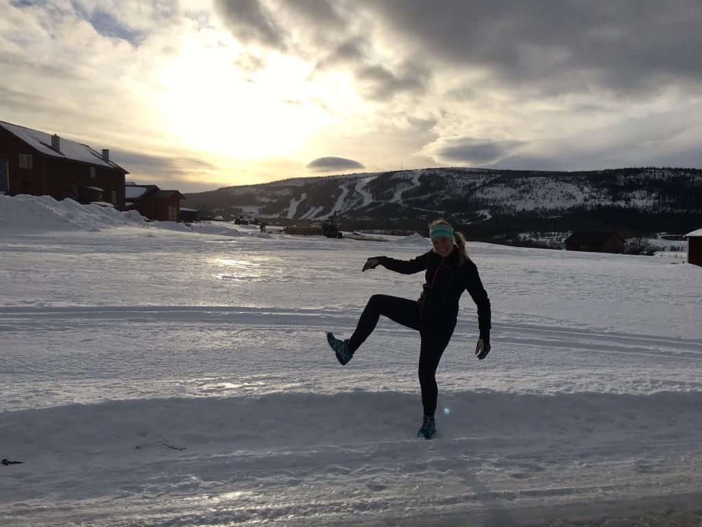 Jenny på löptur i Klövsjö med nya terrängskorna. Halt men kul!